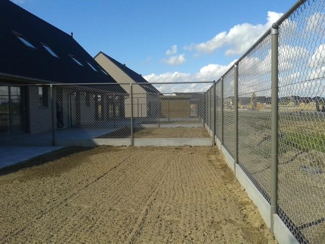 Limitor met bovenbuis en betonplaat